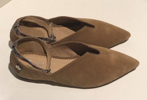Zapato atado al tobillo