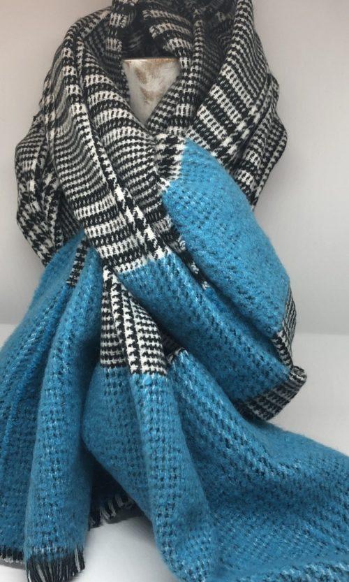 Bufanda cuadro negro azul