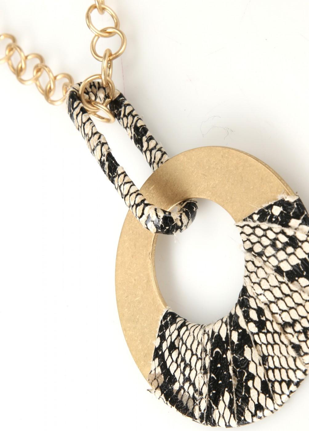collar-colgante-redondo-serpiente