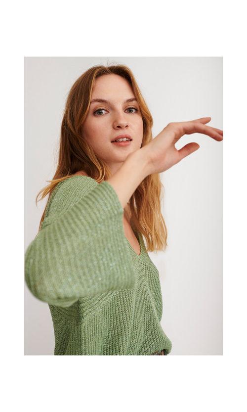 jersey-fluido-cuello-pico-con-lurex