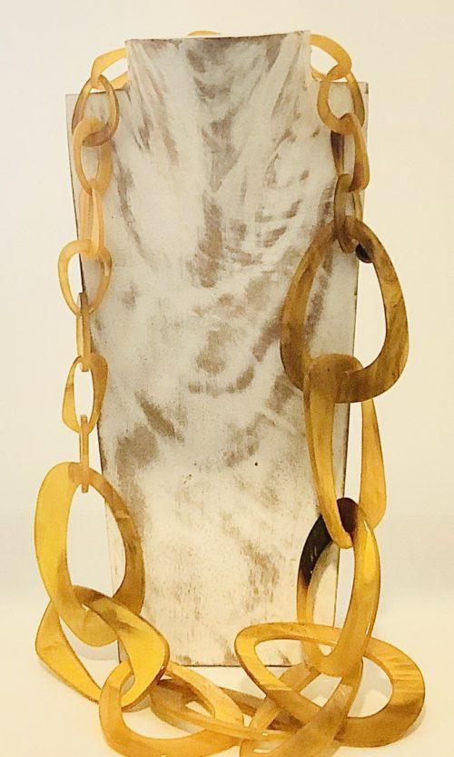 Collar eslavones mostaza