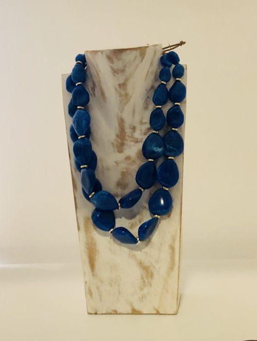 Collar piedras planas azul klein