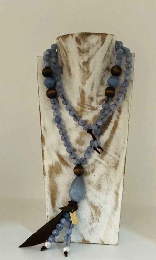 Collar hoja Pepori azul