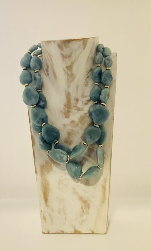 Collar piedras planas azul