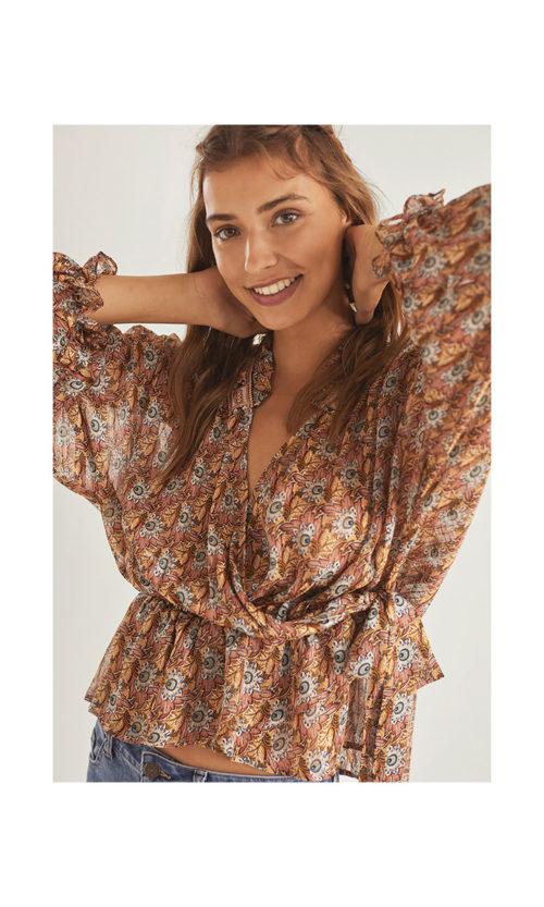 blusa-cruzada-con-cuello-bordado (1)