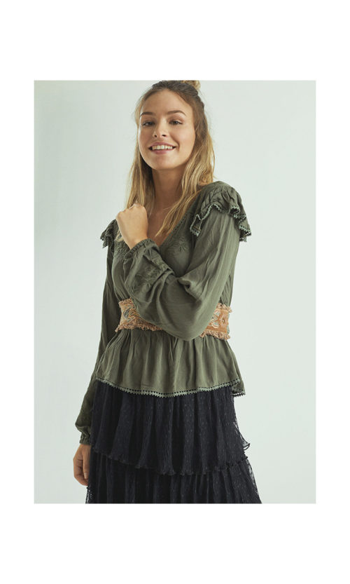 blusa-romantica-bordada