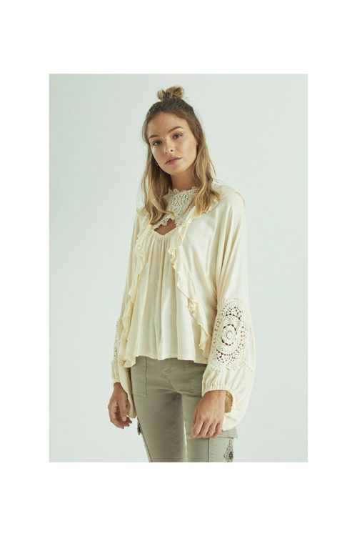 blusa-romantica-combinada-con-crochet (2)