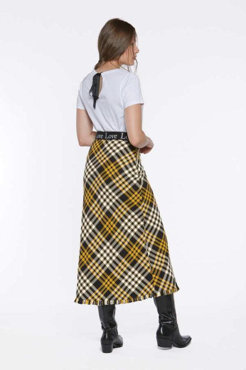 falda cuadros trasera