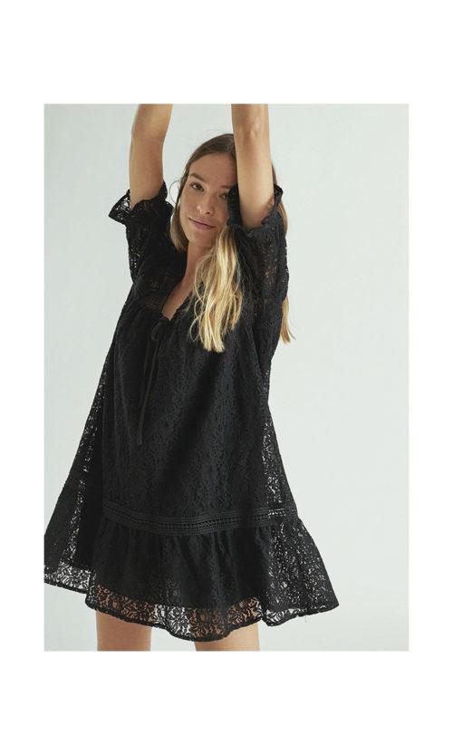 vestido-encaje-negro-con-cortes-guipur