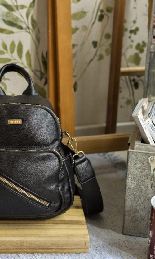 mochila pequeña negra